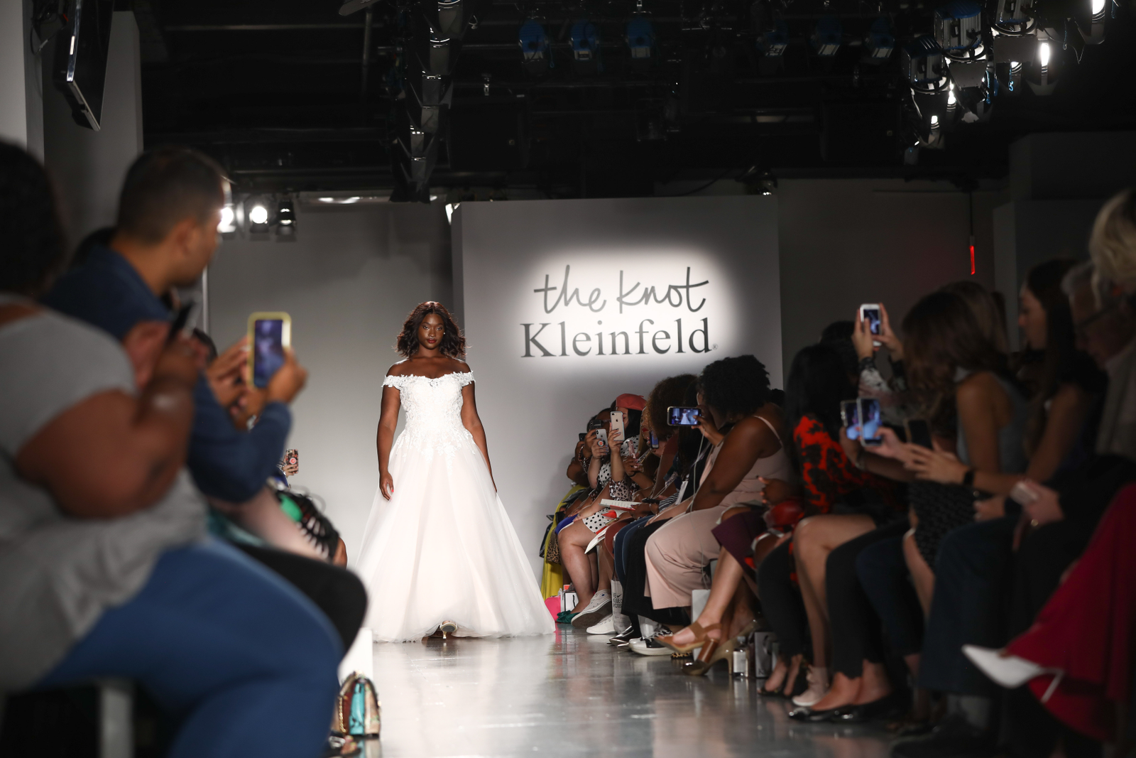 Illustration for article titled Dream Come True: The Knot and Kleinfeld Teamed Up at The CurvyCon 2019 to Ensure iAll/i Brides Feel the Love