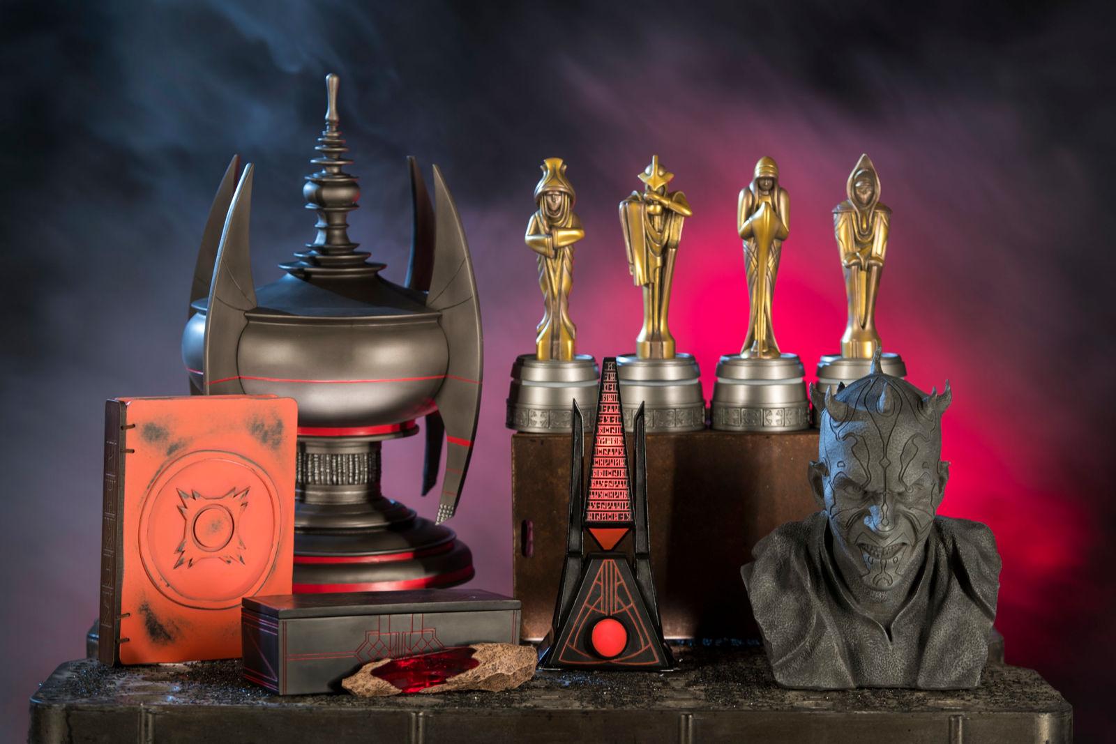 En esta galería puedes ver ejemplos de las curiosidades de Star Wars que podrás encontrar en Dok-Ondar's Den of Antiquities. Estos objetos son de los Sith.