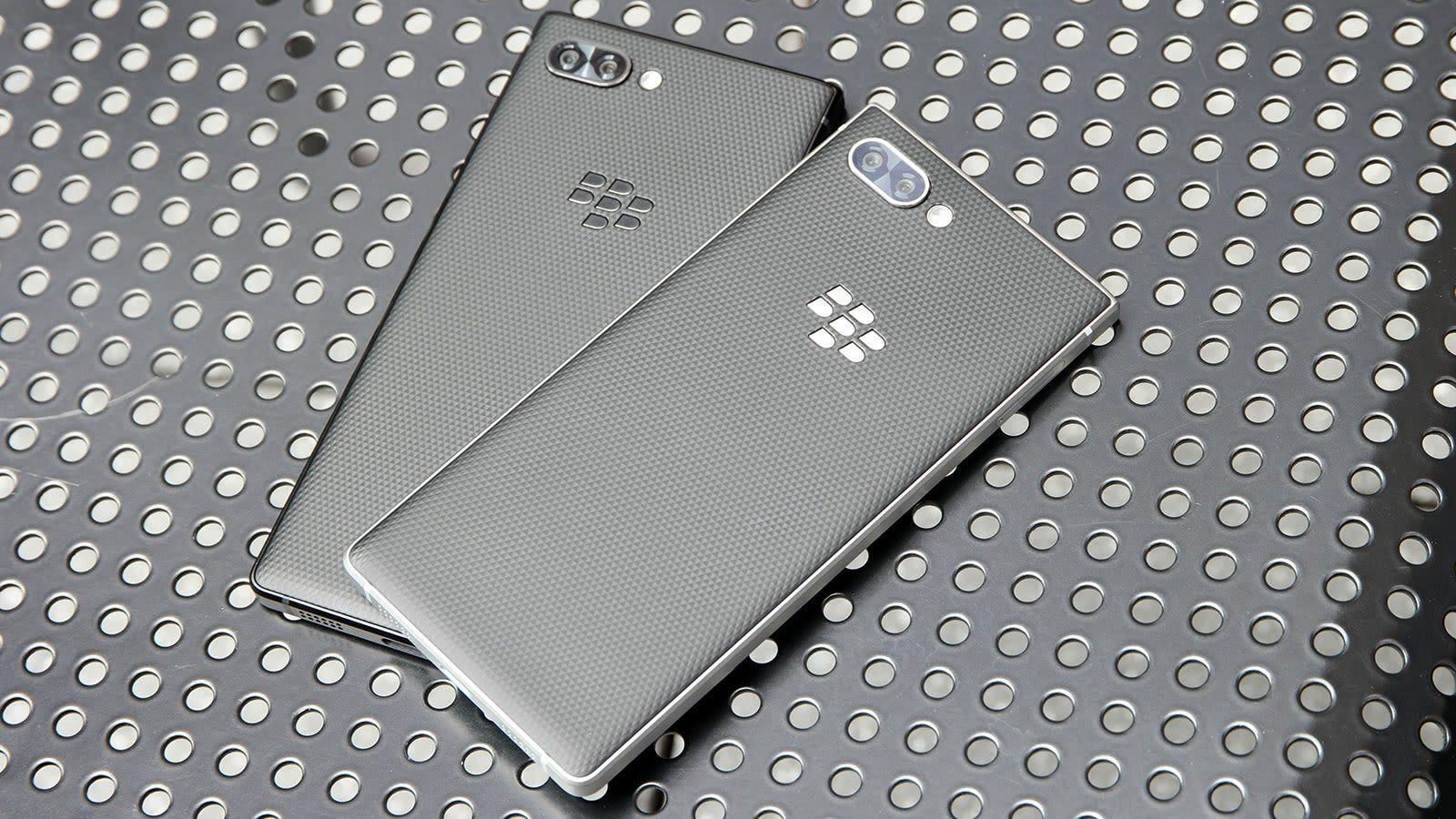 La Key2 estará disponible en dos versiones: una de color negro con laterales de aluminio negro, y una con laterales color plata.
