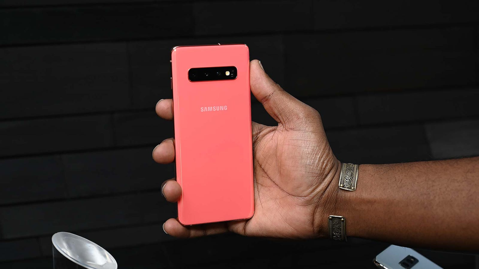 Coral is one of the S10's new signature colors, and is based on one of Pantone's new colors for 2019.