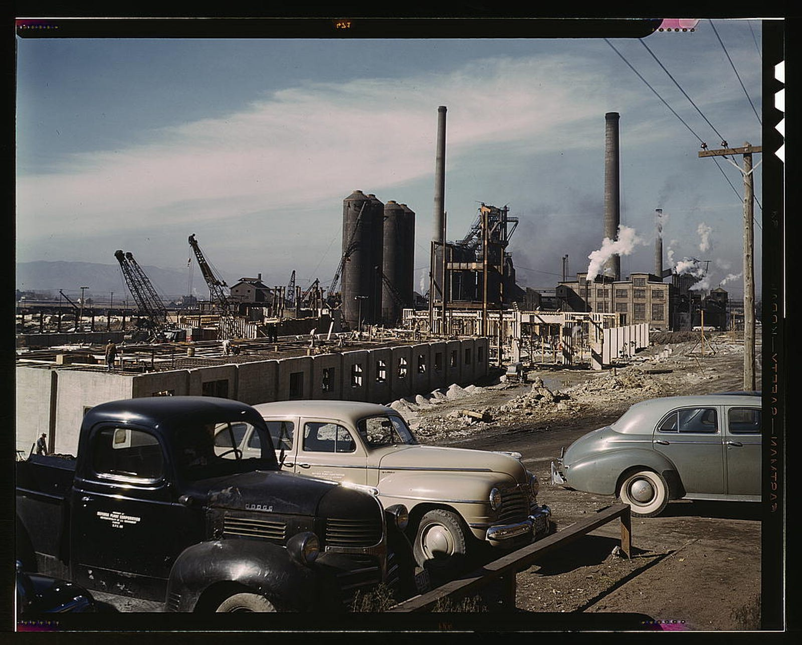 Illustration for article titled These Color Photos From the New Deal Show What Life On The Road Once Was Like