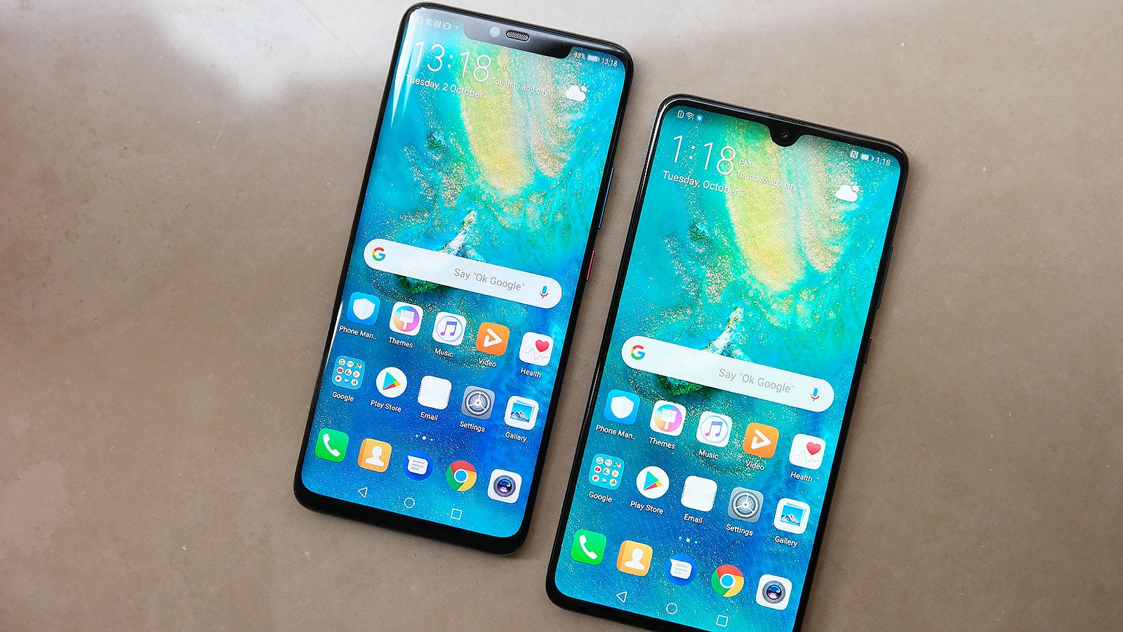 Mate 20 Pro (left) and the Mate 20 (right).