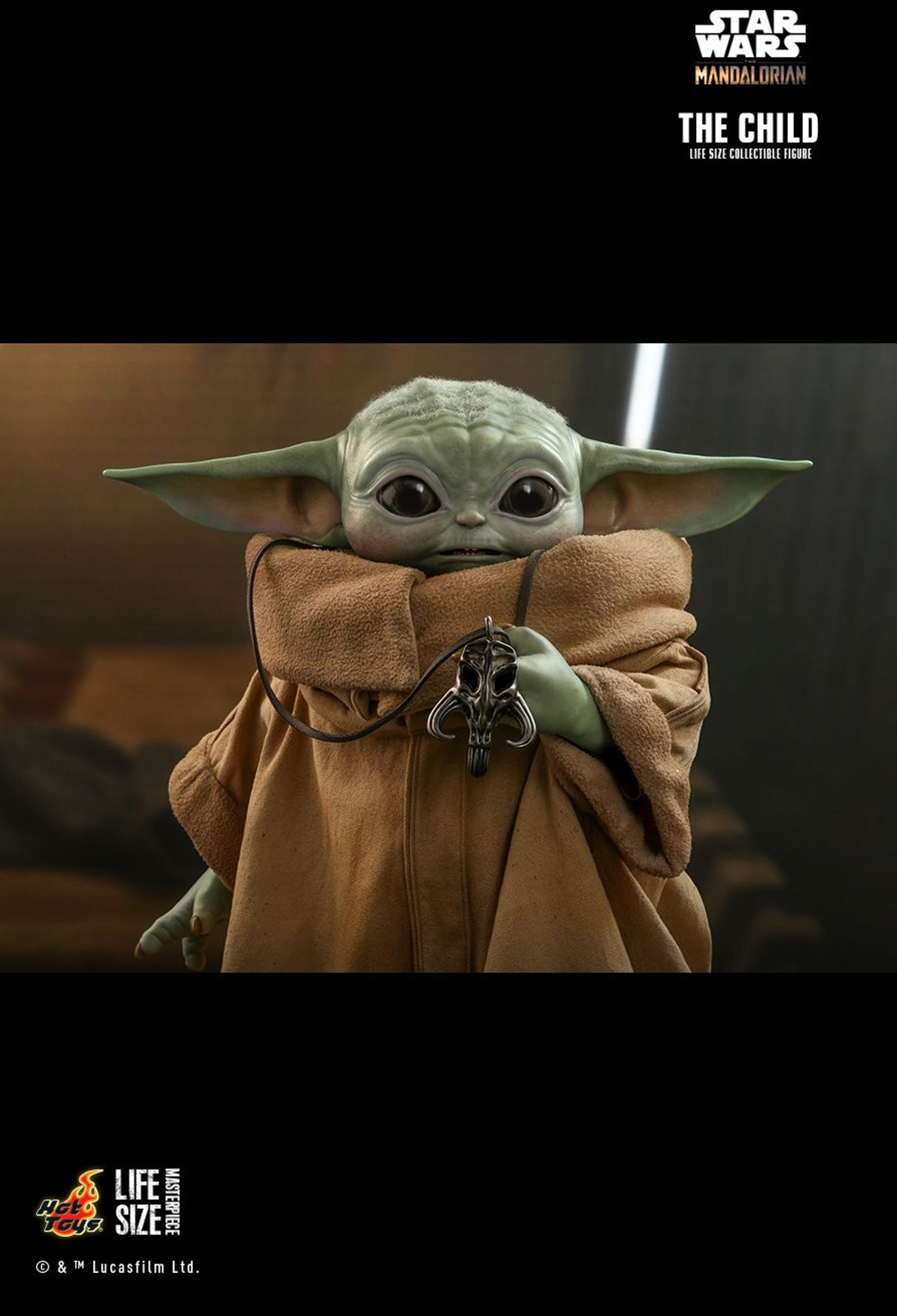 Illustration for article titled Hot Toys Life-Sized Baby Yoda Is Here, and He Is Glorious