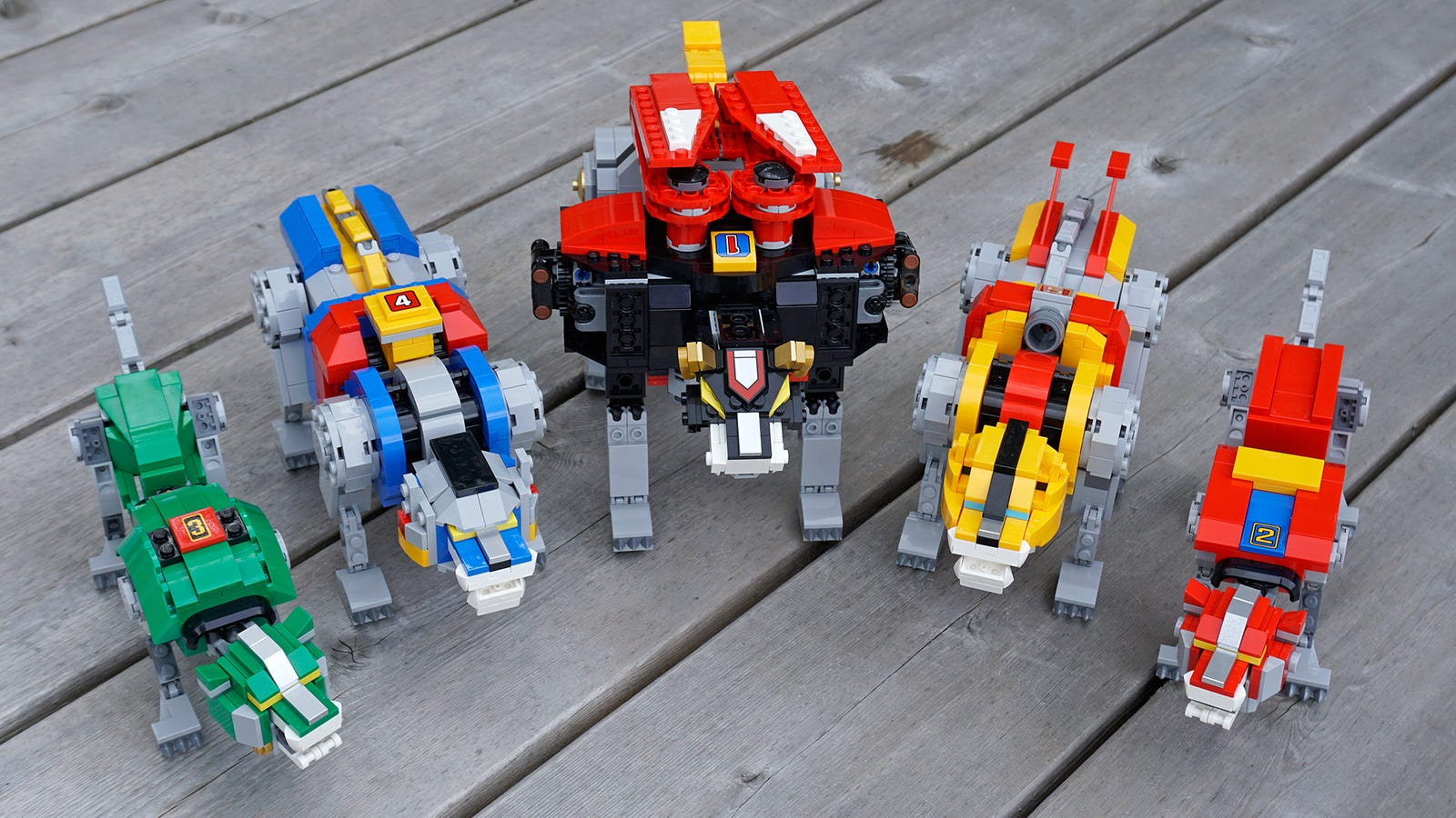 The five robot lions manage to outshine the fully-assembled Voltron.
