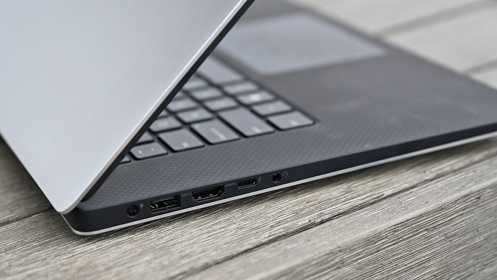 Illustration for article titled Dell XPS 15 Review: A Really Good Laptop for Almost Everything