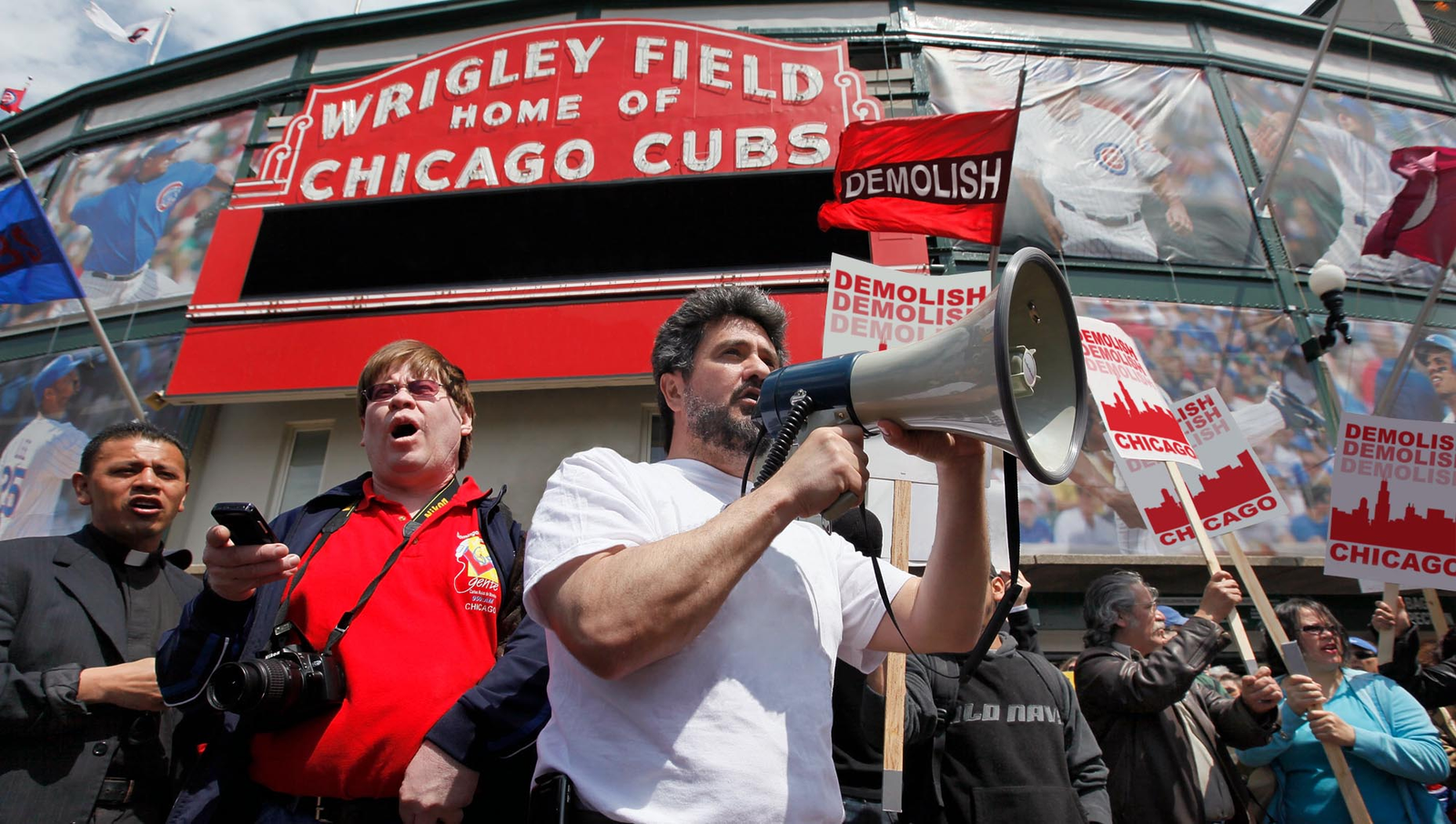 Wrigley Field Supporters Propose Tearing Down Rest Of Chicago