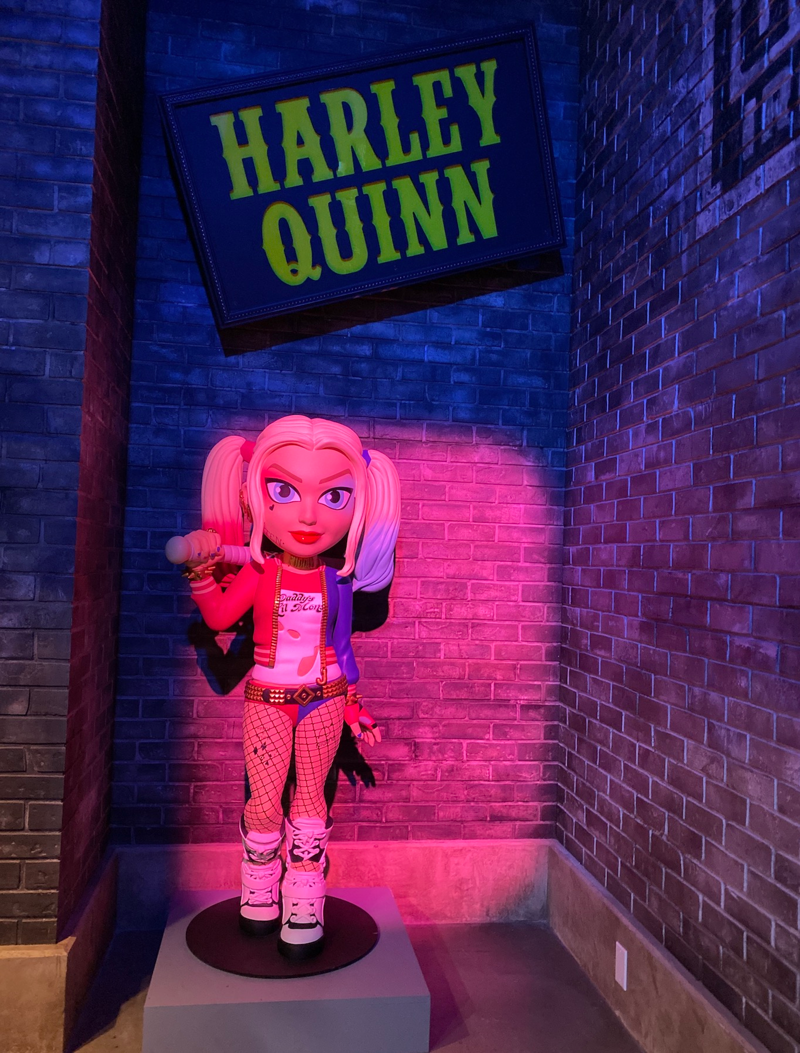Yes, the Suicide Squad Harley makes an appearance.