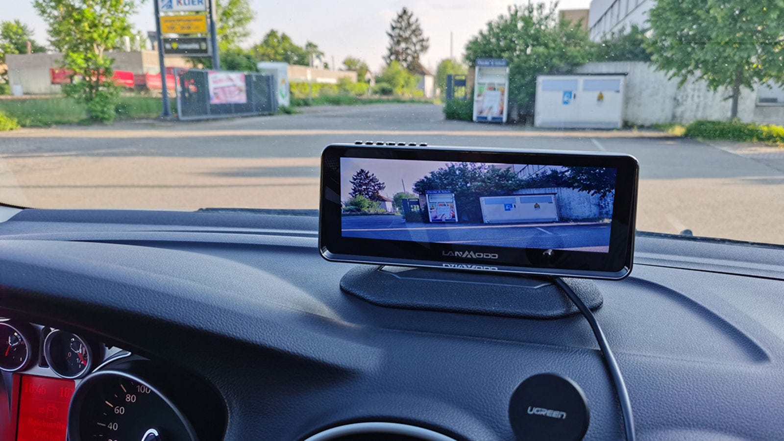 The perspective offered by the screen isn't very useful if you want to drive using only the screen. Don't trust in a tiny screen when you have a big view courtesy of your windshield.