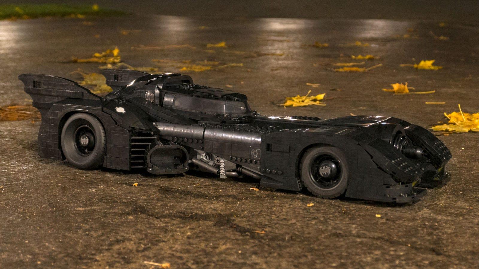 Illustration for article titled El nuevo Batmóvil de Tim Burton de 3.300 piezas es el mejor set de Lego que he construido