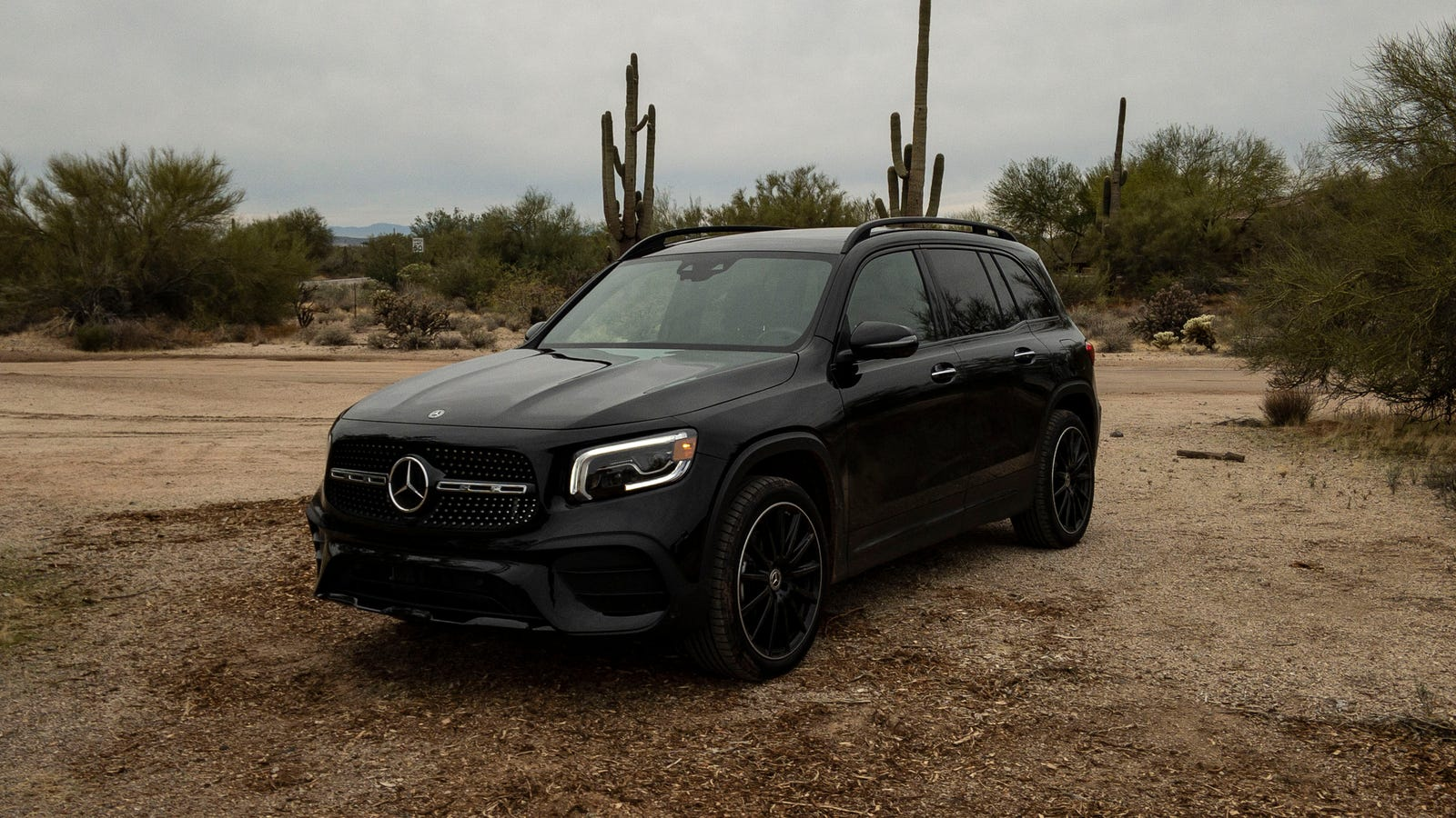 Illustration for article titled The 2020 Mercedes GLB Is A Small SUV That Feels Big In Good Ways