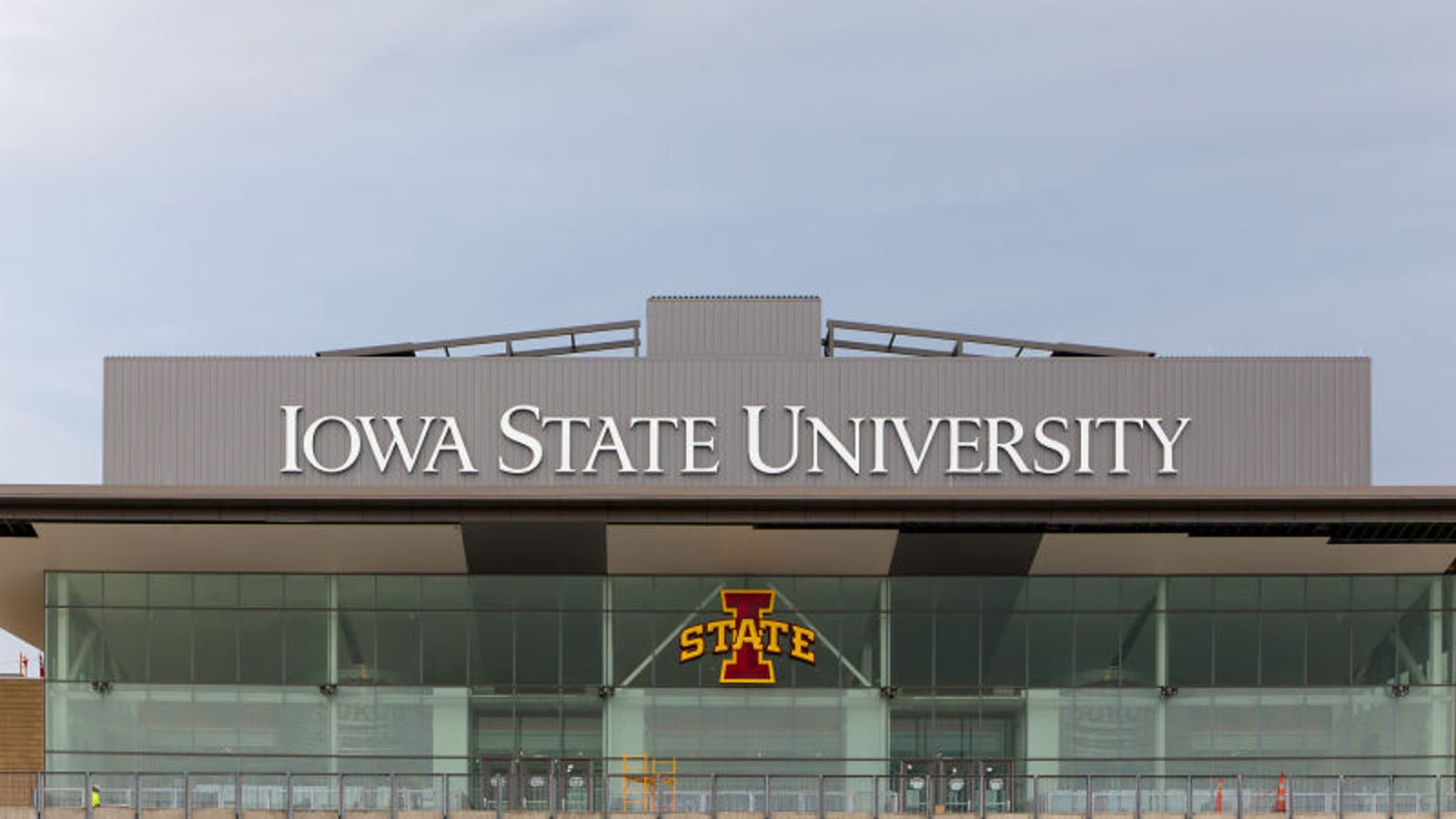 Thousands Of Students Forced To Attend Iowa State After University Sets Acceptance Rate To 140%
