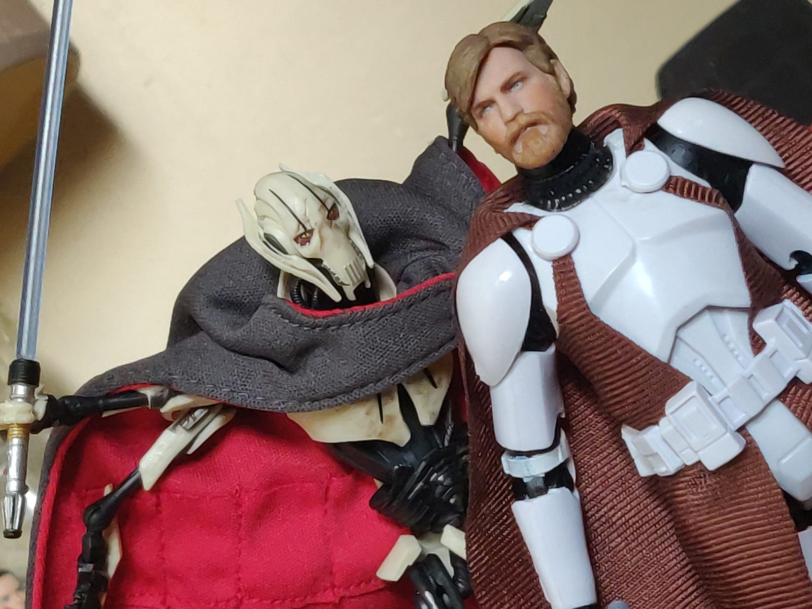 Illustration for article titled Apropos of Nothing at All, Heres Some Pictures of a Sweet New Ewan McGregor Obi-Wan Kenobi Figure
