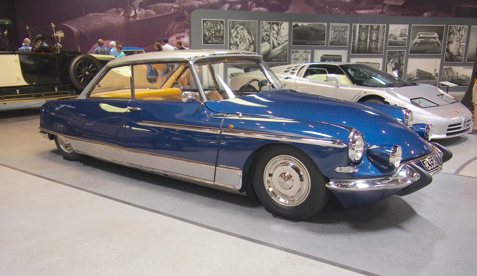 Speaking of Henri Chapron, there were several lovely Chapron bodied DS's. This is the Le Leman from '66.