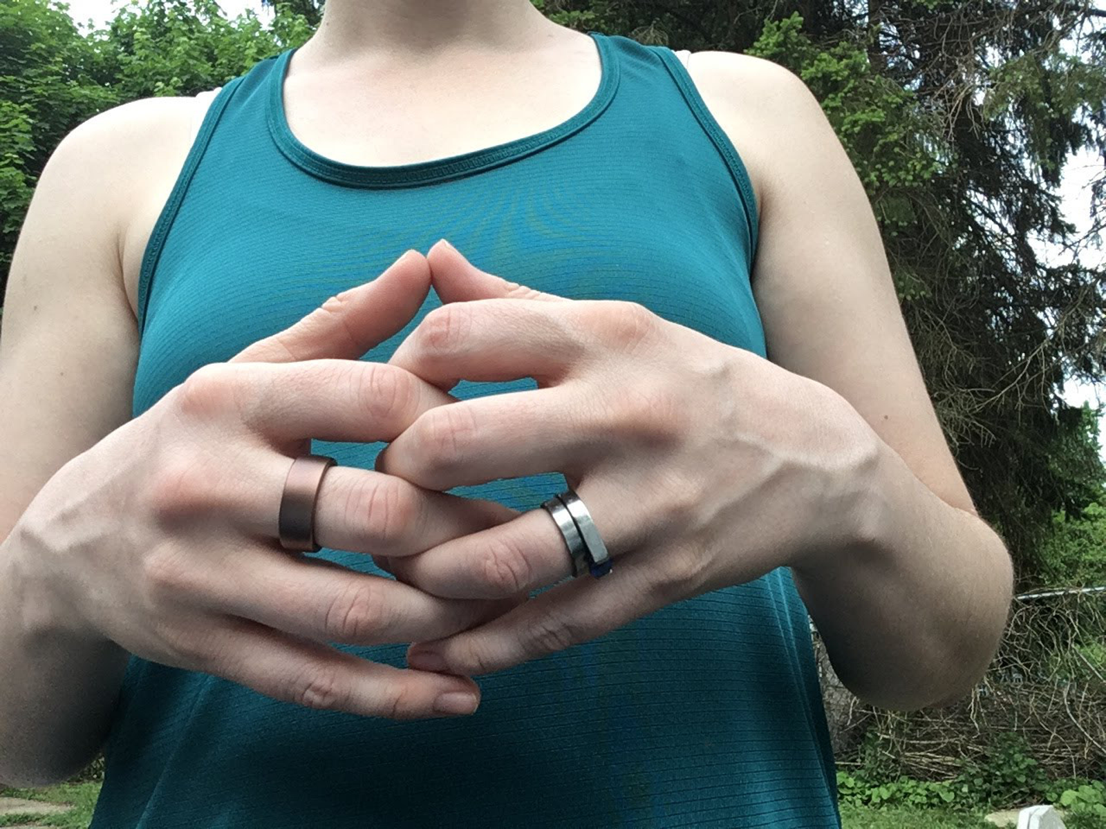 Motiv on the left, with normal rings for comparison