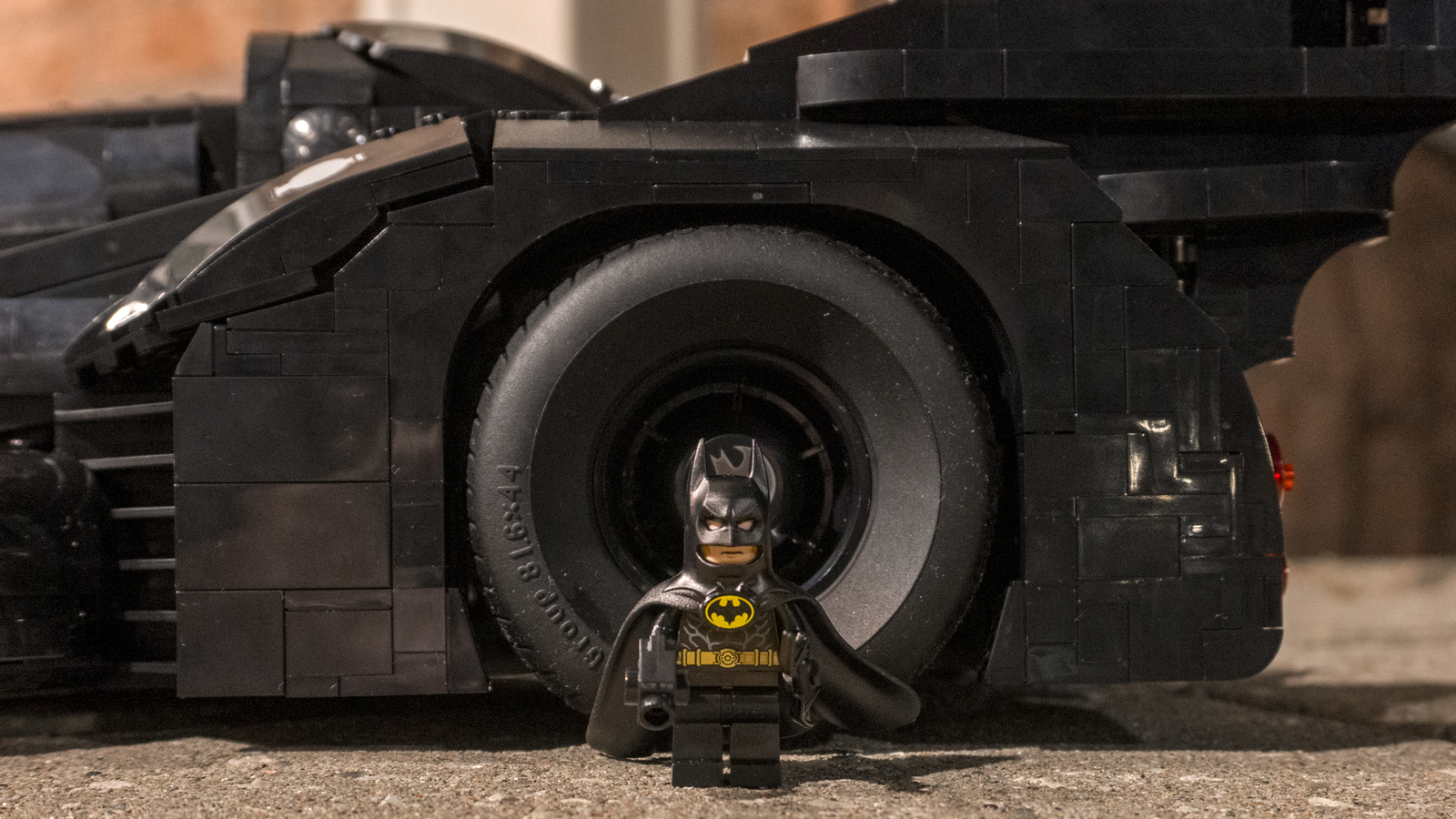 So just how large is this model? The Batmobile's back tires are twice as tall as the included Lego Batman minifigure. It's massive.