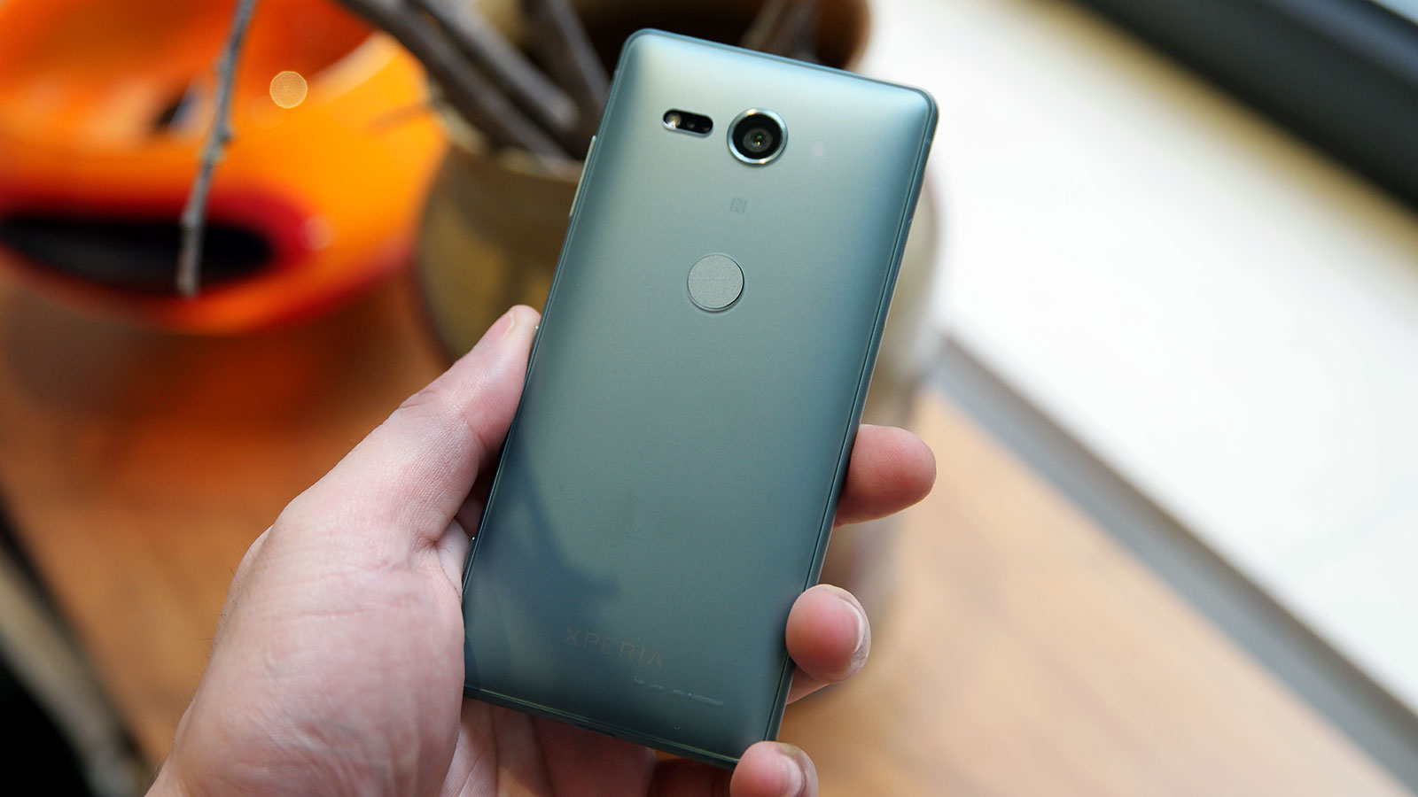 The XZ2 Compact is cute, but powerful. Photo: Sam Rutherford (Gizmodo)