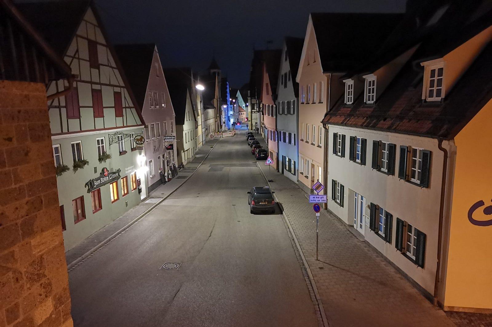 Ejemplo de foto nocturna en modo panorámico.