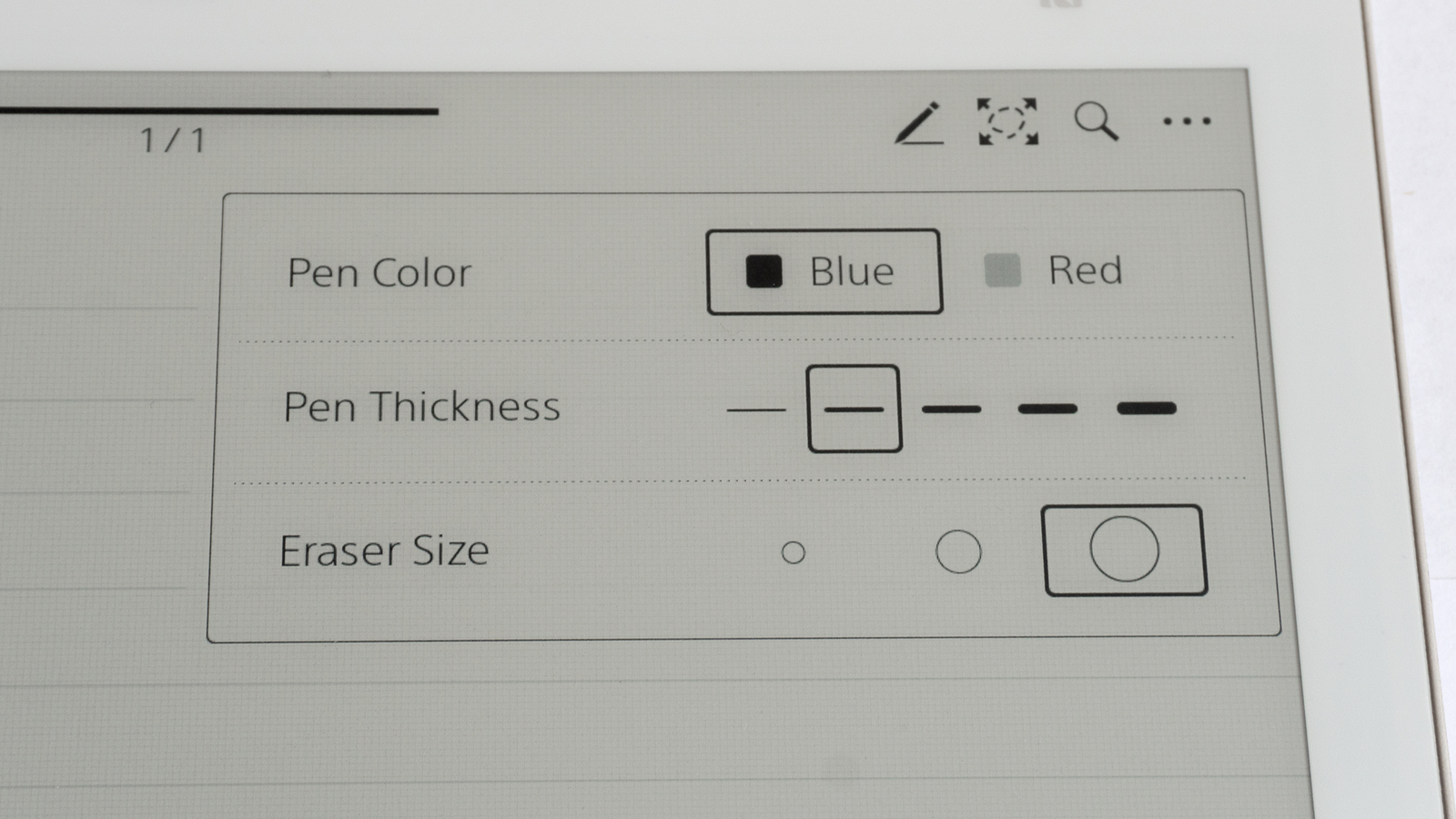Sony has taken a much simpler approach when it comes to customizing the functionality and appearance of the stylus.