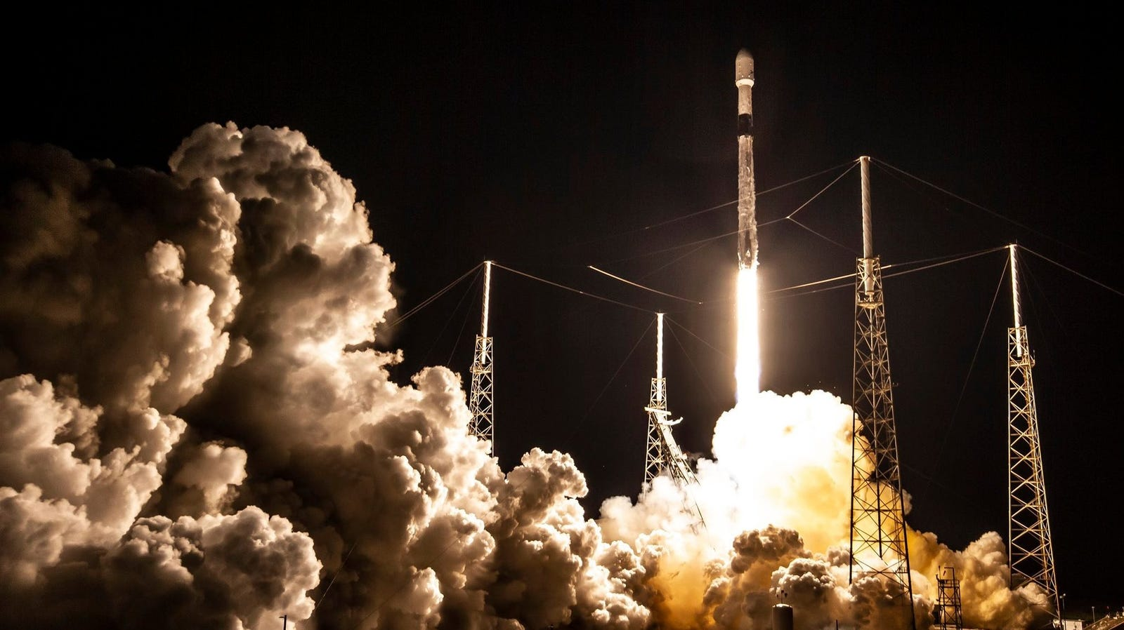 Latest Starlink Launch Makes SpaceX the Largest Commercial Satellite Operator in the World