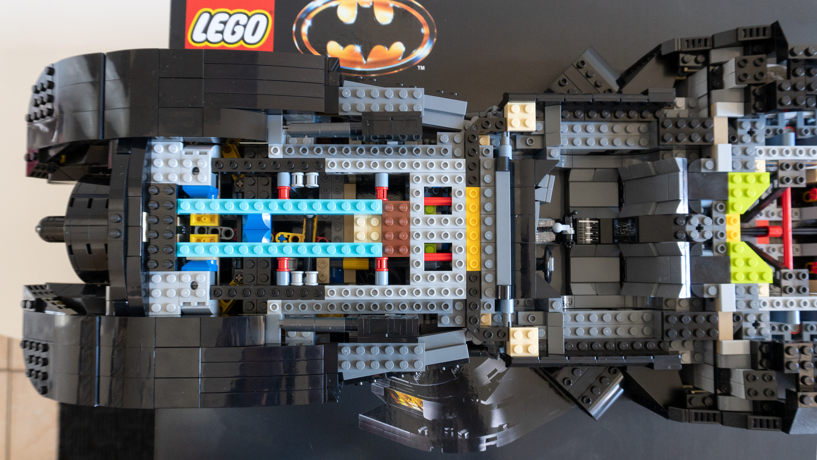 The 1989 Batmobile feels incredibly solid, thanks to a sturdy Lego Technic frame hidden beneath its exterior.