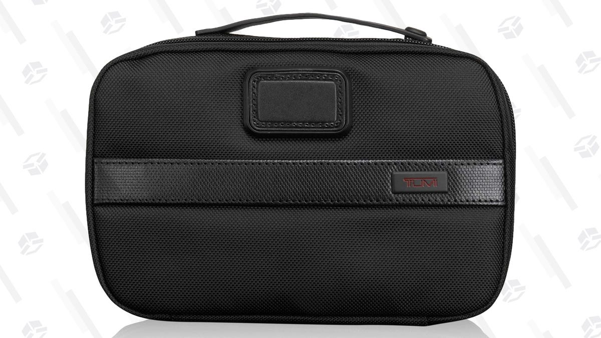 14d6cbae27 These Are Your Four Favorite Travel Toiletry Bags