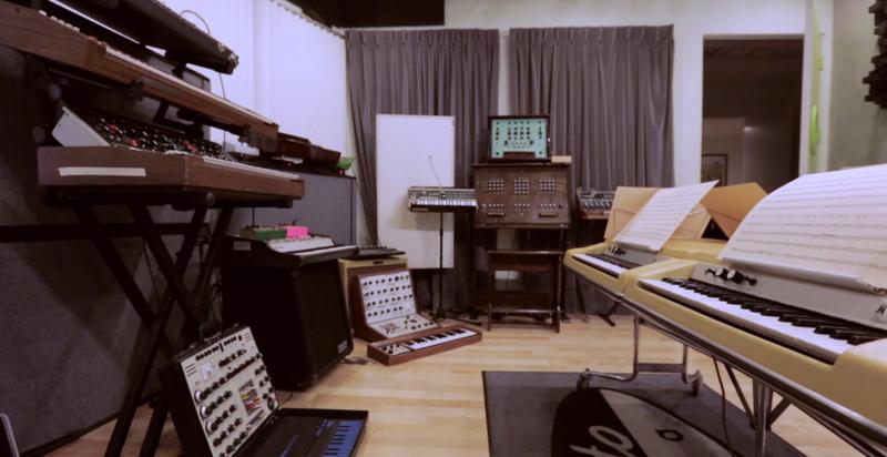 Illustration for article titled Algunas de las mejores bandas sonoras surgieron de estos sintetizadores
