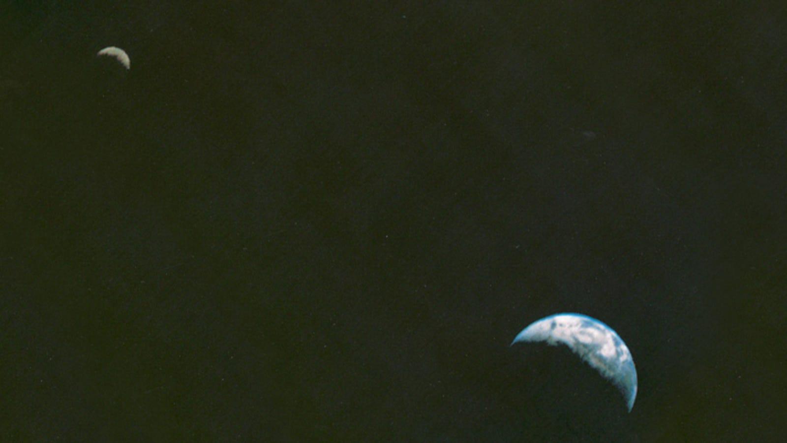 18 September dalam Sejarah: Voyager I Ambil Foto Angkasa Pertama Bumi dan Bulan