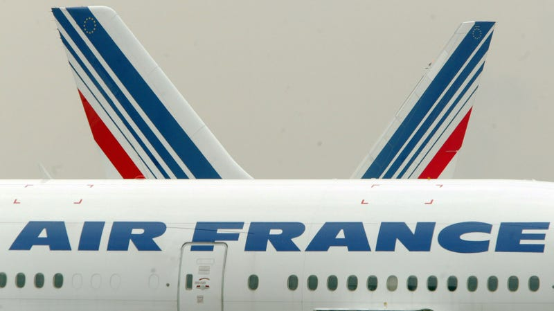 Illustration for article titled France's New Flying Tax Gets It Backwards