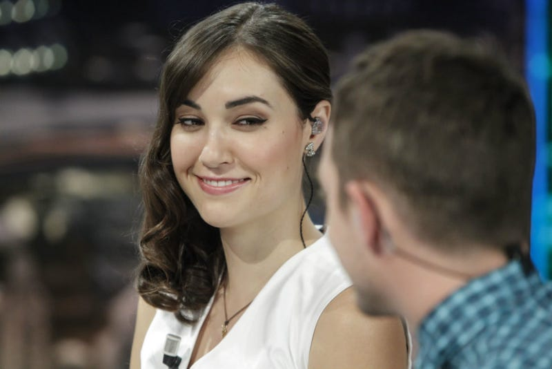Illustration for article titled Sasha Grey Is Not a Murdered Battle Nurse in the Ukraine