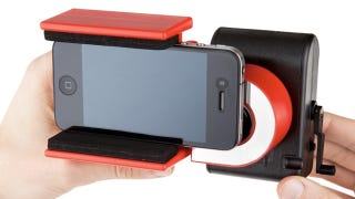 Illustration for article titled LomoKino Adapter Lets Your Phone Capture 35mm Movies Without an App
