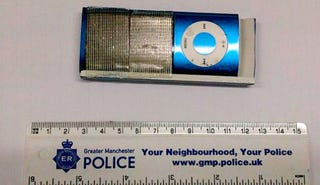 Utilizan un iPod Nano para robar tarjetas en un cajero automático