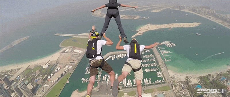 Basejump News Videos Reviews And Gossip Gizmodo - Crazy guy base jumps radio tower