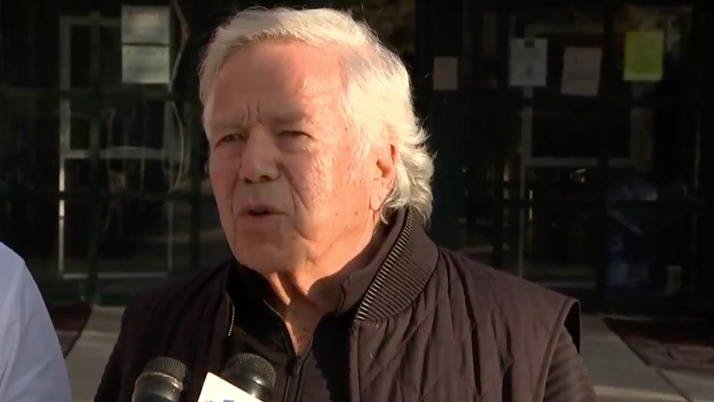 """Illustration for article titled Robert Kraft Calls Meek Mill """"A Great Guy"""" After Visiting Him In Prison"""