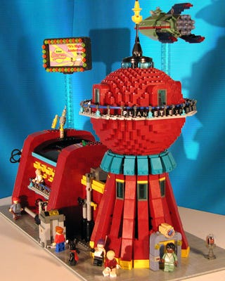 Illustration for article titled LEGO Futurama Fan Set Makes Official Line a Must