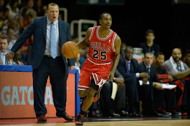 Chicago Bulls head coach Tom Thibodeau shouts to the Bulls' Marquis Teague as they play the Washington Wizards at the NBA Global Games on Oct. 12, 2013, in Rio de Janeiro. (Alexandre Loureiro/Getty Images)