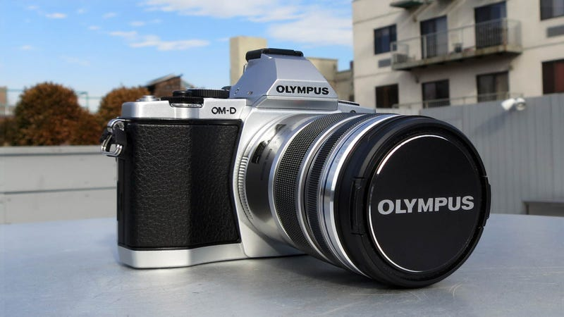 Illustration for article titled Olympus OM-D E-M5: The First Micro Four Thirds Camera Aimed at Replacing a DSLR