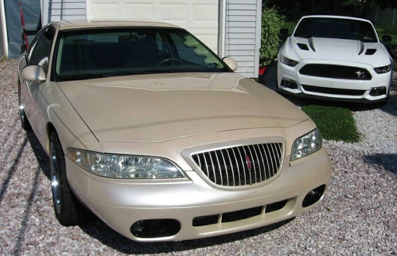 For 25 000 Would You Like To Wake Up Next To This 1998 Lincoln
