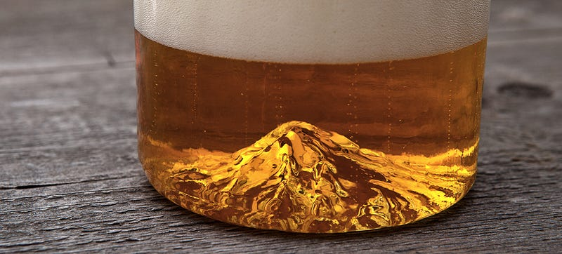 Illustration for article titled A Mt. Hood-Bottomed Pint Glass Is the Easiest Way To Tackle a Mountain