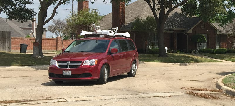 Illustration for article titled ​Apple's Sensor-Covered Minivans Are Invading Texas