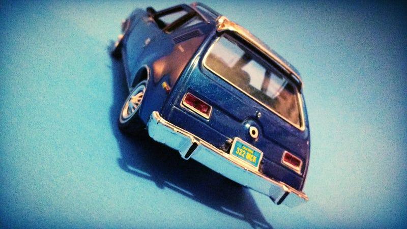 Illustration for article titled Tangled up in blue! Motor Max's '74 Amc Gremlin