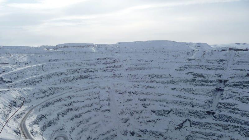 La mina de cobre abandonada de la que se sospecha que provienen las emisiones tóxicas en Sibay, Rusia