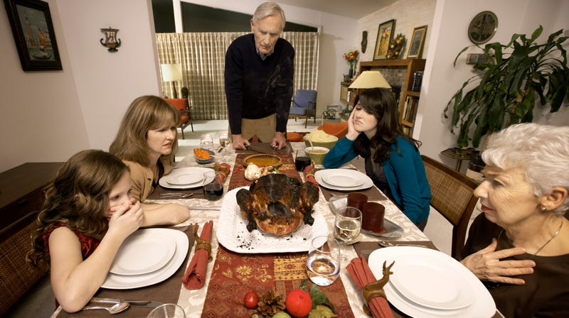 Illustration for article titled Our country's deep divisions have a silver lining: shorter Thanksgiving dinner
