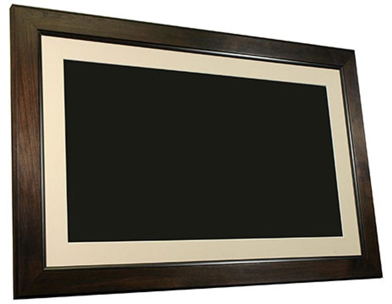smartparts shows giant 32 inch digital picture frame