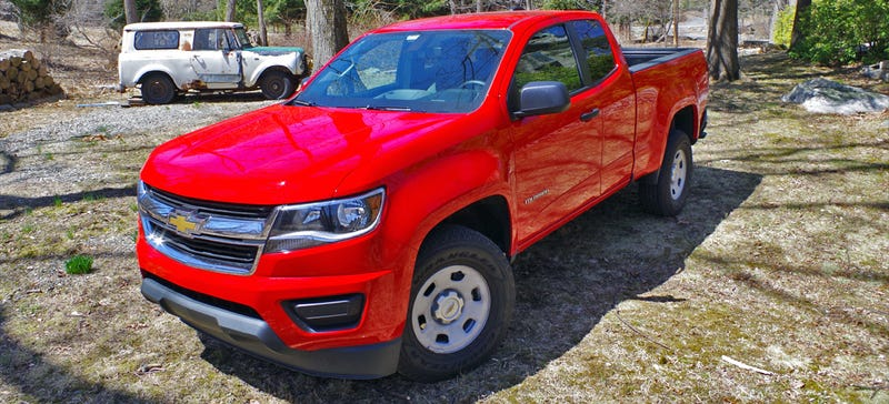 Illustration for article titled Your Complete Guide To The $21,000 Stick-Shift 2015 ChevyColorado