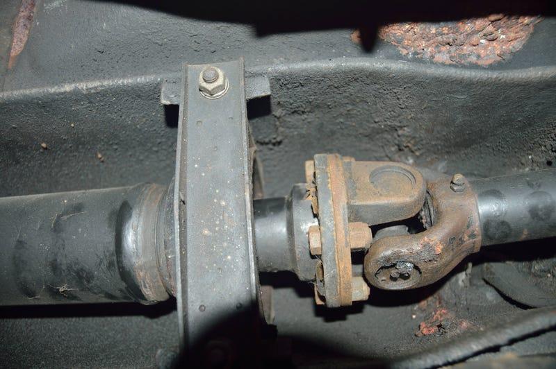 Illustration for article titled I just glued a driveshaft together
