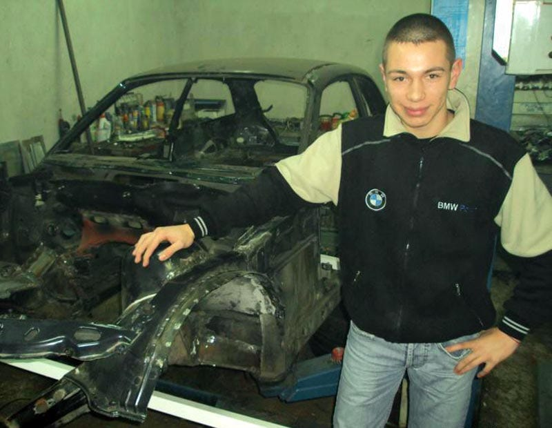 Illustration for article titled The Bulgarian Teen Who Built His Own BMW Racer