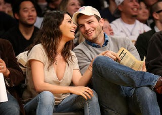 Illustration for article titled Ashton Kutcher and Mila Kunis Are Maybe Getting Married This Weekend