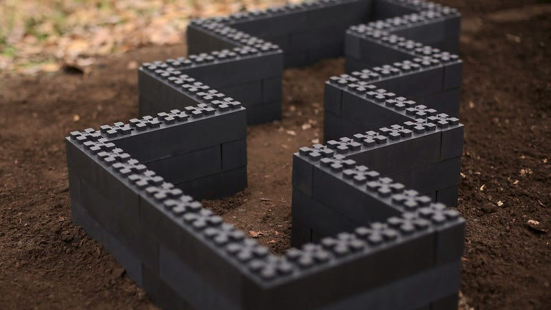 Illustration for article titled Build a Custom Garden Planter With These Lego-Like Blocks