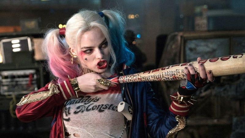 Illustration for article titled Margot Robbie confirma que trabaja en la película en solitario de Harley Quinn, la villana de DC Comics