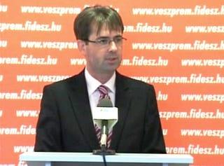Illustration for article titled Veszprémi fideszest ítéltek el zugírászat miatt